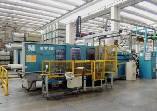 BMB 650 Ton Injection molding