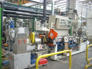 plastic recycling extruder