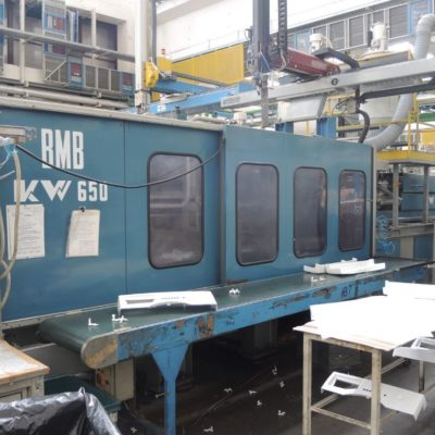 BMB KW 650 Ton. Injection Molding