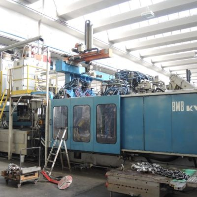 BMB KW 1300 Ton. Injection Molding